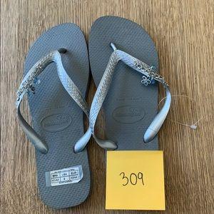 Havaianas, 41-42, silver, wide strap w/jewels, new